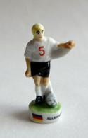 FEVE PRIME PUBLICITAIRE AUCHAN ARGUYDAL 2002 MULTI-PAYS ALLEMAGNE - Sport
