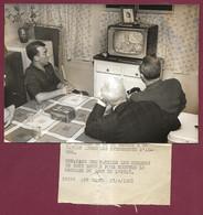 240521B - PHOTO DE PRESSE - 1961 élocution Télévisée GENERAL DE GAULLE évènements D'ALGER - Télé Foyer - War, Military