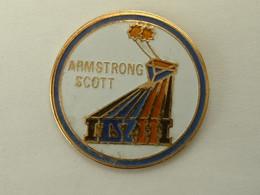 Pin's MISSION GEMINI VIII - ARMSTRONG / SCOTT - Spazio