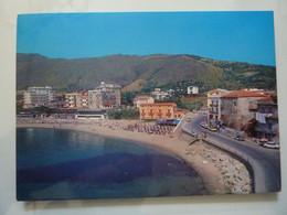 """Cartolina Viaggiata """"ACCIAROLI ( SA ) Spiaggia Con Zona Residenziale"""" 1986 - Altre Città"""