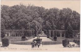 Sarthe : LA FLECHE : L'entrée Du Parc : Animée - La Fleche