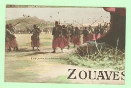 R214 - Militaria - Régiment - Zouaves - L'escrime à La Baïonnette - Regiments