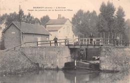 BERNOT - L'Ecluse - Canal De Jonction De La Sambre à L'Oise - Passage De Péniche - Other Municipalities