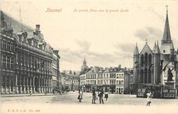 BELGIQUE TOURNAI LA GRANDE PLACE AVEC LA GRANDE GARDE - Tournai