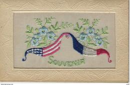 CPA BRODEE ( Patriotique Militaria ) - UNION De DRAPEAUX - SOUVENIR - GUERRE 1914 - 1918 - Embroidered