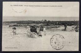 314-CARNAC-PLAGE -  Groupe De Jeunes Parisiennes Se Préparant à La Pêche De La Crevette. - Carnac