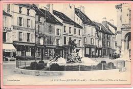 La Ferté Sous Jouarre - Place De L'Hotel De Ville Et La Fontaine Parfait état - La Ferte Sous Jouarre