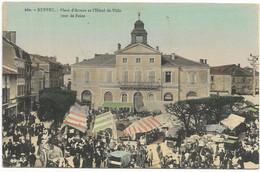 16-RUFFEC- Place D'Armes Et L'Hôtel De Ville, Un Jour De Marché...1914  Animé - Ruffec