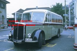 ReproductionPhotographie D'un Bus Saurer Garé à Thun En Suisse En 1972 - Reproductions