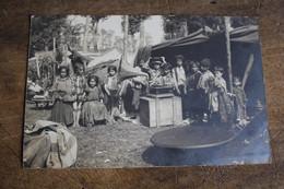 Carte Photo OISE  BEAUVAIS Le Campement Des Chaudronniers Russes Hongrois Avec Un Phonographe  1909 - Compiegne