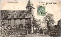 12 Eglise Et Place De TAUSSIAC Près Le Mur De Barrez - Autres Communes