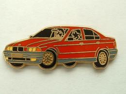 PIN'S BMW - ARTHUS BERTRAND - BMW
