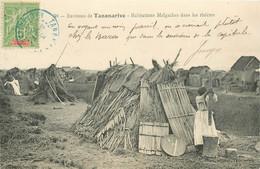 "CPA MADAGASCAR ""Habitations Malgaches Dans Les Rizières"" - Madagascar"