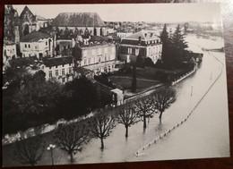 Cpm SAINTES 17 L'inondation 1994. Quai De Verdun Et De La République Engloutis. - Saintes