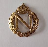 Napoléon Insigne En Métal Doré Couronne De Laurier Symbole Napoléonien - Altri
