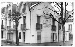 VICHY - Hôtel De Strasbourg, 23 Rue Jean Jaurès, Rue De La Paix - Mme De Merigot Propriétaire - Photo-Carte, 1958 - Vichy