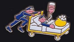 71047- Pin's.lit D'hopital.médical.médecine. - Médical