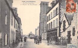29 - DOUARNENEZ : La Rue Jean Bart Et L'Eglise Du Sacré Coeur ( Animation Attelage ) CPA - Finistère - Douarnenez