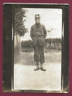 270521 - PHOTO ANCIENNE - GUERRE 1914 18 ? Masque à Gaz Matériel Militaire Sabot - War 1914-18
