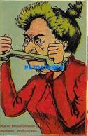 161694 ART ARTE HUMOR WOMAN CLOSED MOUTH AND HANDS POSTAL POSTCARD - Non Classificati