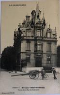 EPERNAY. -Banque VARIN-BERNIER - Entrée De La Rue Du Commerce - Epernay