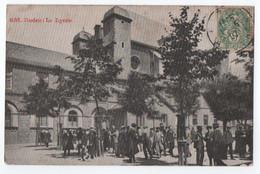 RODEZ (12) : LE LYCEE - LES ELEVES DISCUTENT DANS LA COUR DE L' ECOLE - LYCEENS EN CANOTIER - ECRITE EN 1907 - 2 SCANS - - Rodez