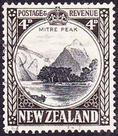 NEW ZEALAND 1942 4d Black & Sepia SG583d Used - Used Stamps