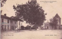 69--SAINT MAURICE DE GOURDANS LA PLACE ET L EGLISE - Other Municipalities