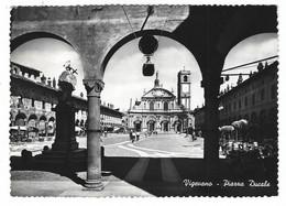 10.428 - VIGEVANO PIAZZA DUCALE PAVIA ANIMATA 1952 - Vigevano