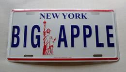 USA Metal (tin) Designer Plate New York's 'Big Apple' - Size 30x15cm - NEW ! - Plaques En Tôle (après 1960)