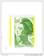 Liberté 1fr60 Vert De Roulette YT 2222h Avec Deux Bandes Phospho à Droite Et à Gauche .  Voir Le Scan . Cote YT : 8 € . - Abarten: 1980-89 Ungebraucht