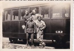 GROUPER SOLDATS ET VOITURE DE TRAIN MILITAIRE, MILITARY TRAIN CAR, TREN MILITAR. 1935's PUERTO DESEADO ARGENTINE.- LILHU - Trenes
