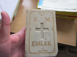 Marble Sculpture In The Shape Of A Book Catholic Prayer Book Hungarian Inscription  Old EMLEK MEMORY - Sin Clasificación