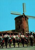 CPM - SLANTCHEV BRIAG - Moulin à Vent Et Groupe Folklorique ... - Bulgarien