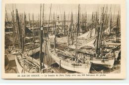 ILE DE GROIX - Le Bassin De Port Tudy Avec Ses 200 Bateaux De Pêche - Groix