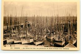 ILE DE GROIX - Au Début De L'été, Les Pêcheurs De Thon Arment Leur Bateaux - Groix