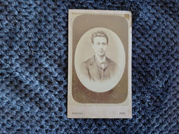 CDV PORTUGAL - HOMEM GUILHERME PINTO D ALMEIDA - PHOTOGRAPHO J.J.S.PEREIRA - PORTO - 1871 - Anciennes (Av. 1900)
