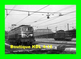 ACACF 221 - Loco 2D2 9121 En Gare - PARIS LYON - SNCF - Equipment