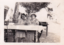 Photo 4.5 X 6.5 -  BIDART -  Au Restaurtant Raymond  - Aout 1934 - Places