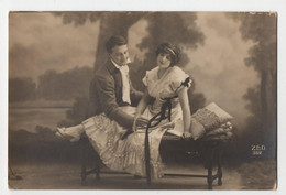 CPA Young Romantic Couple Vintage Real Photo Postcard - Couples