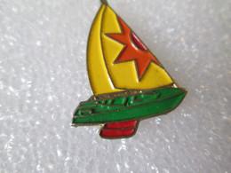 PIN'S    BATEAU - Barche