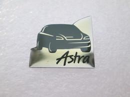 PIN'S    OPEL   ASTRA - Opel