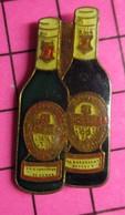 SP18 Pin's Pins / Beau Et Rare / THEME : BIERES / DEUX BOUTEILLES DE BIERE USA - Birra
