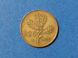 1957 ITALIA REPUBBLICA MONETA COIN 20 LIRE RAMO DI QUERCIA GAMBO LARGO CIRCOLATA - 20 Lire