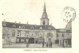 Commercy  Place Du Fer à Cheval - Commercy