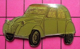SP18 Pin's Pins / Beau Et Rare / THEME : AUTOMOBILES / GRAND PIN'S CITROEN 2CV DEUDEUCHE - Citroën
