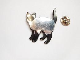 Beau Pin's Pins En Plastique , Chat , Cat , Siamois - Animals