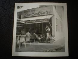 "SANARY  -Photo N&B "" SNACK BAR -LES EMBIERS "" Année 1964 - Places"