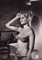 """Brigitte Bardot, Bikini, Film """"ladri Al Chiaro Di Luna"""" - Artistas"""