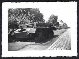 Guerre 1940-1945, épave Tank+ Tourelle Bord D'une Route . 2 Photos Véritables - Guerra, Militares